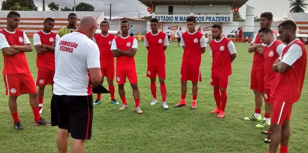 treinador Mastrillo Veiga