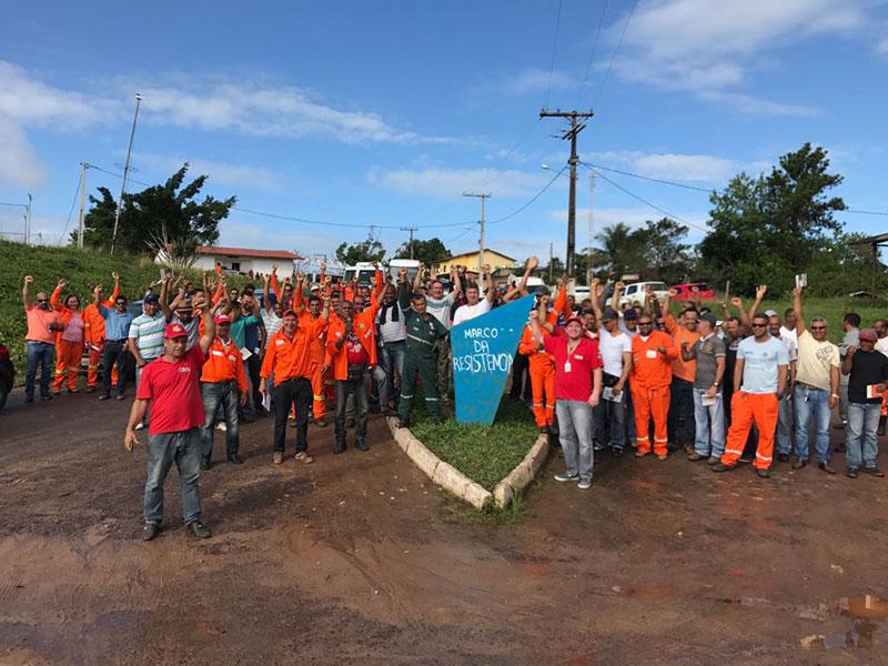 Petroleiros da Bahia aprovam participação na greve de 30/06