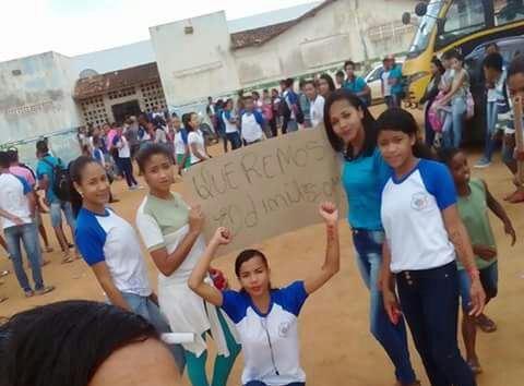Estudantes protestam em Inhambupe