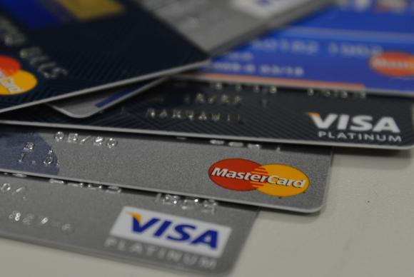 Cartão de loja é o tipo de crédito que mais leva à inadimplência