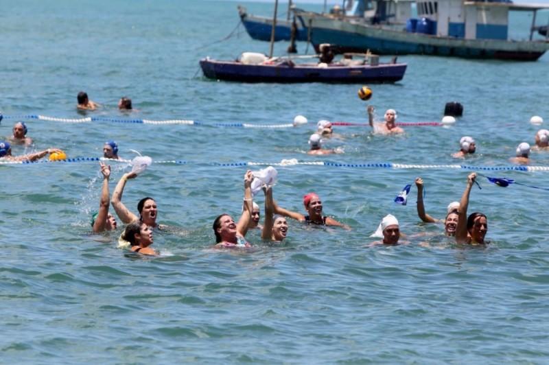 Polo aquático reúne 250 atletas