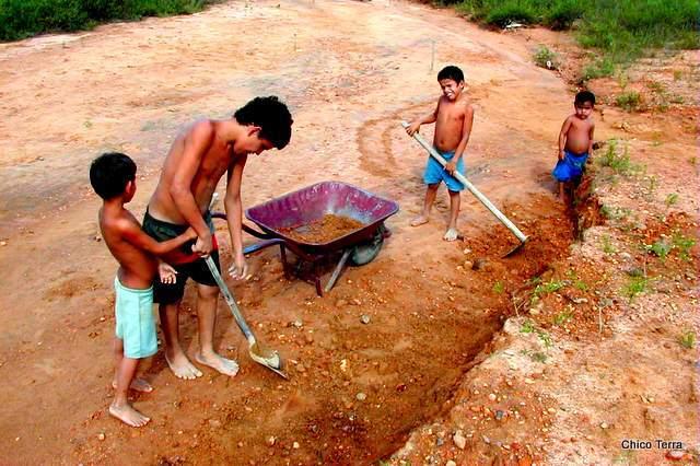Brasil tem 30 mil crianças trabalhando