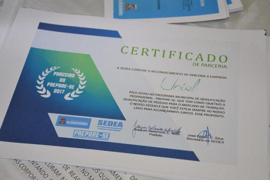 Prefeitura realiza entrega de certificados