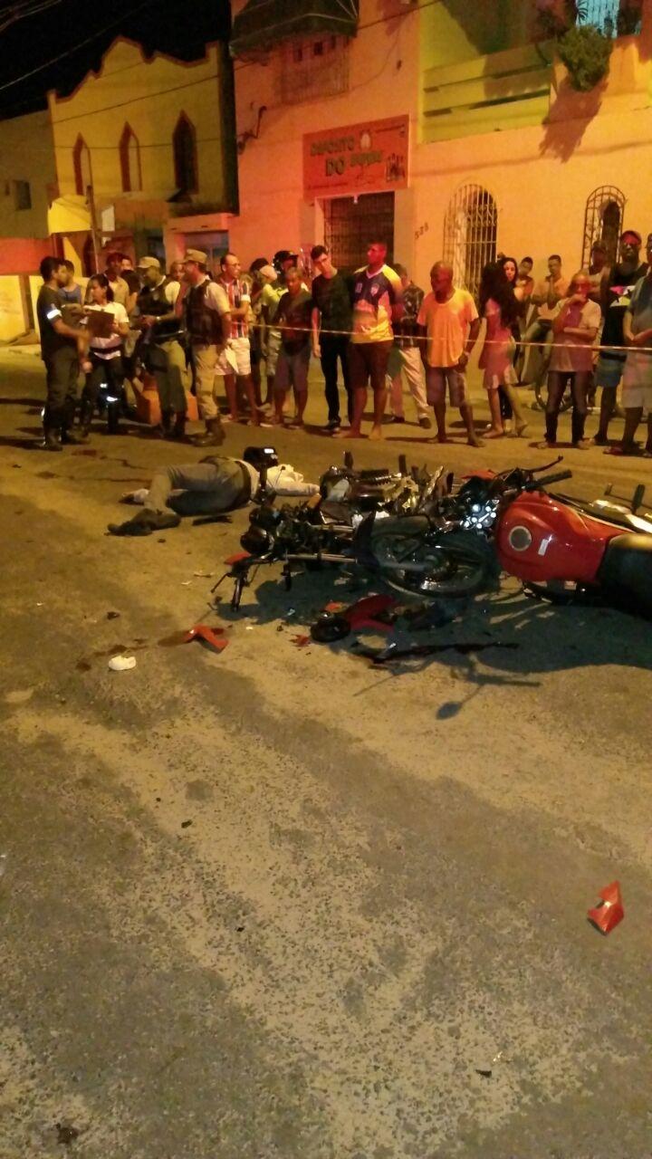 Moto táxi morre após batida