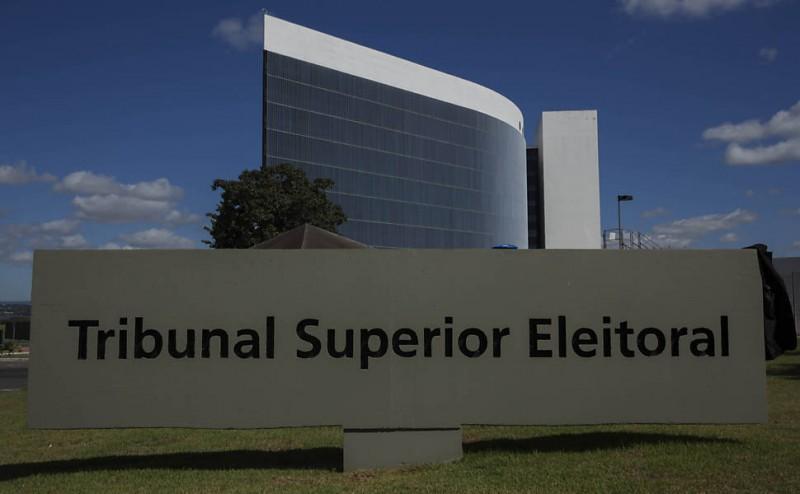 TSE aprova regras para eleições 2018, mas deixa em aberto fake news e autofinanciamento