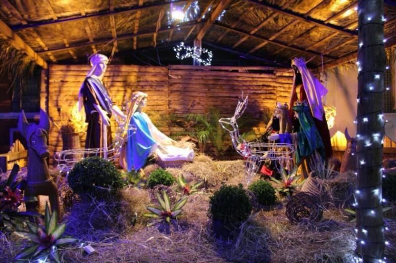 Luzes de natal tomam conta de Catu