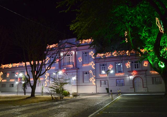 Prefeitura de Alagoinhas inaugura iluminação natalina
