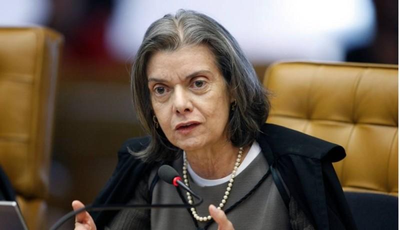 Cármen Lúcia suspende parte do decreto de indulto natalino