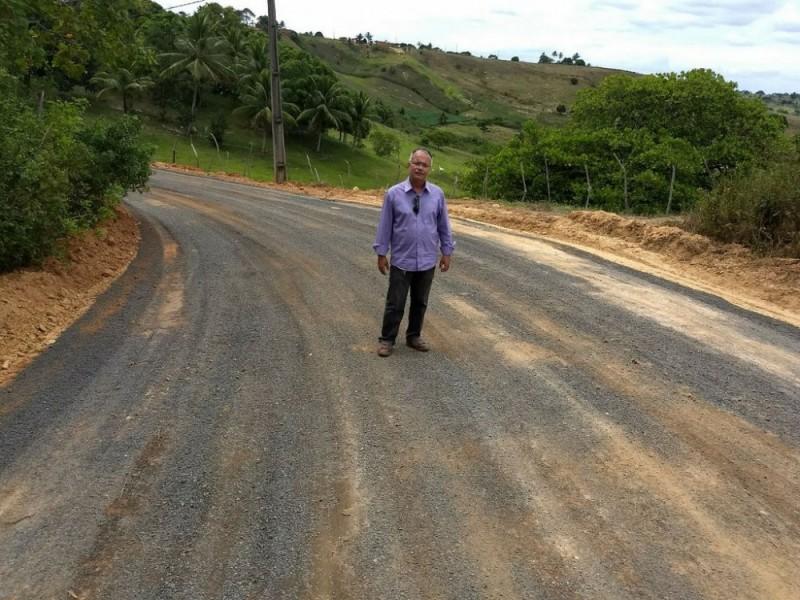Prefeitura de Alagoinhas finaliza reforma da estrada de Buracica